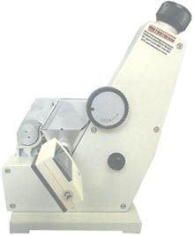 Refratômetro Bancada (Tipo Abbe) 0a95%Brix / 1,300a1,700nD - RTA-100
